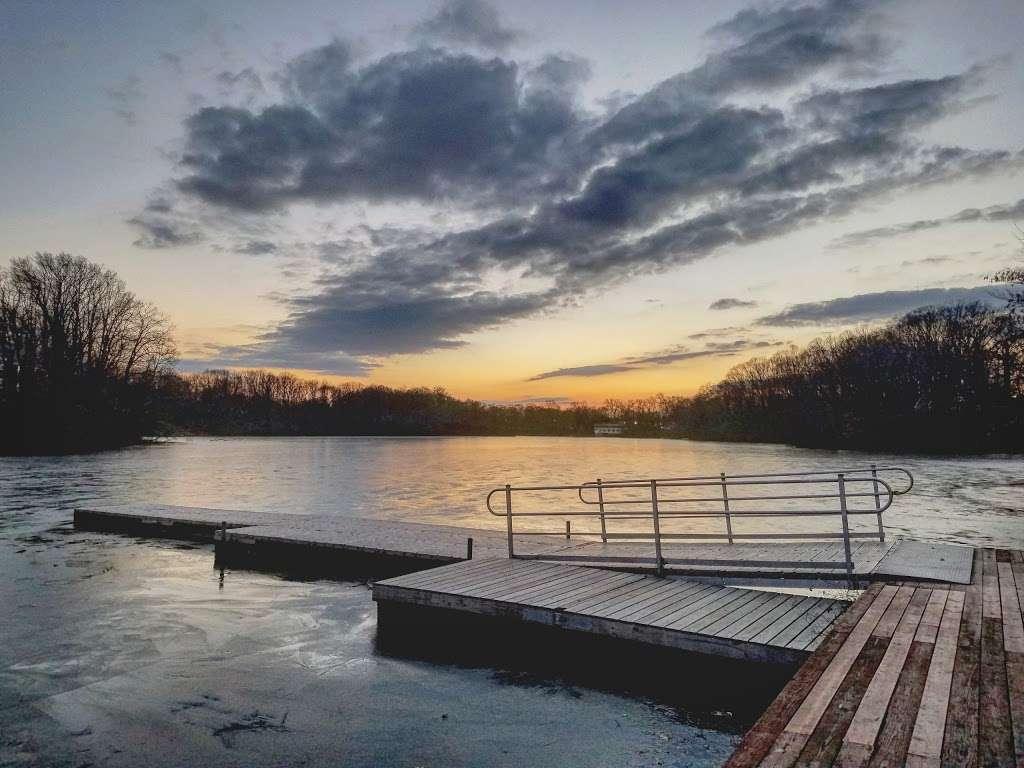 Lake Lefferts Lakefront Park - park  | Photo 1 of 3 | Address: Ravine Dr, Matawan, NJ 07747, USA