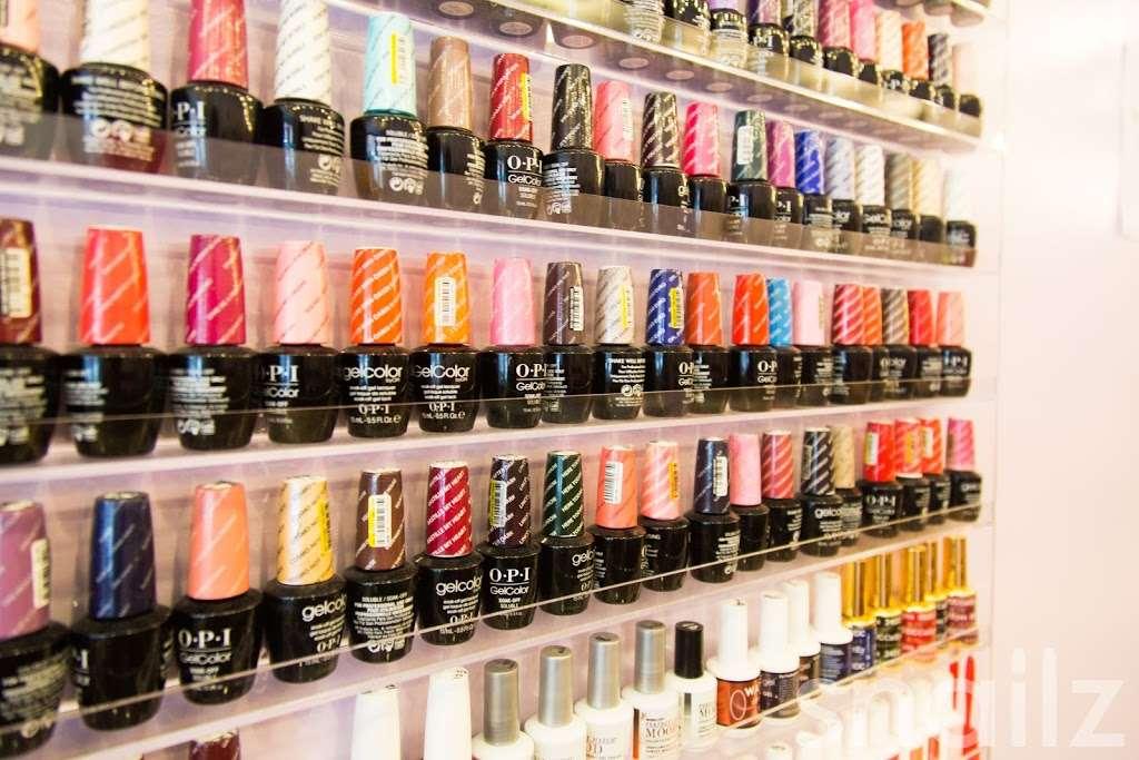 JZ Nails - hair care    Photo 3 of 10   Address: 310 Court St, Brooklyn, NY 11231, USA   Phone: (718) 855-4398