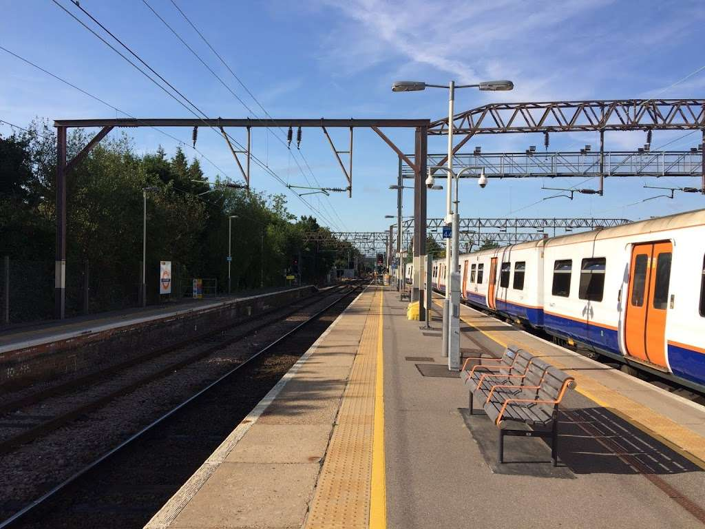 Chingford - train station  | Photo 2 of 10 | Address: London E4 6AL, UK