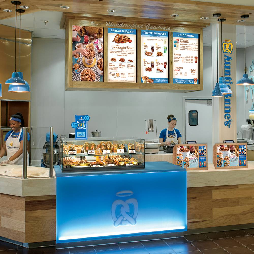 Auntie Annes - bakery  | Photo 1 of 10 | Address: 1613 Pleasonton Rd suite b-108, Fort Bliss, TX 79906, USA | Phone: (915) 298-1001