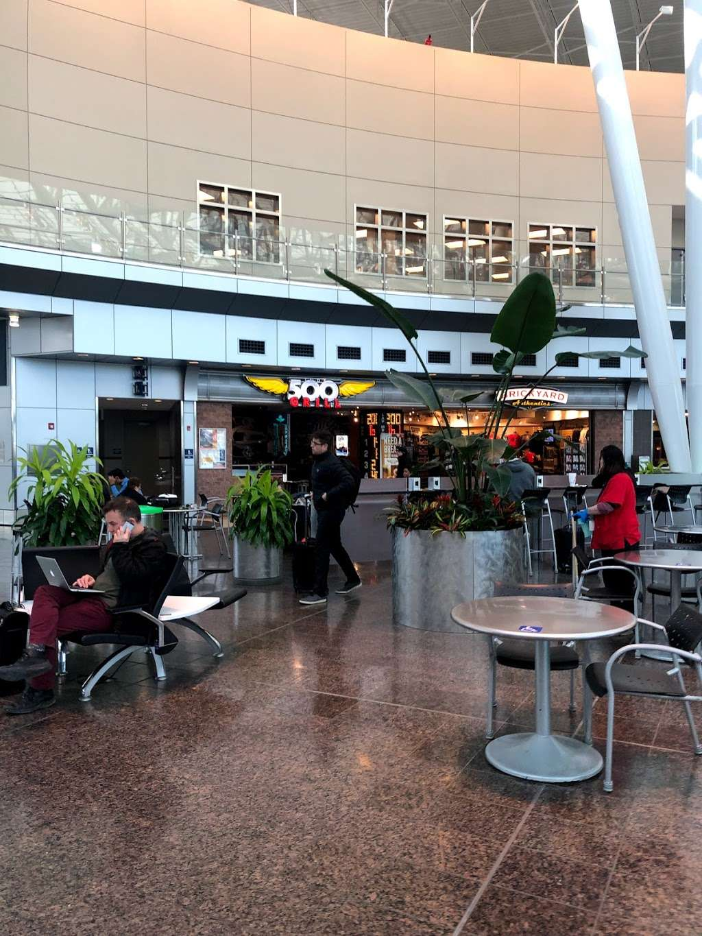 Indianapolis Airport - bus station  | Photo 9 of 10 | Address: Indianapolis, IN 46241, USA