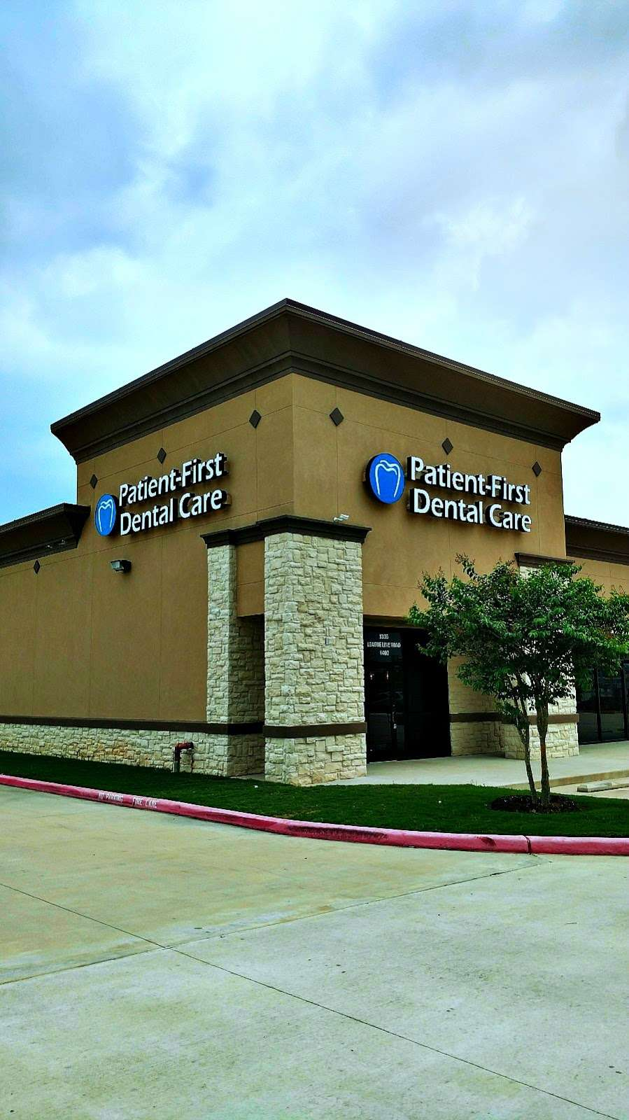 Patient-First Dental Care - dentist  | Photo 3 of 10 | Address: 1336 League Line Rd #400, Conroe, TX 77304, USA | Phone: (936) 856-9969