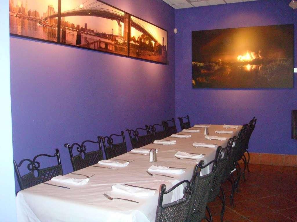 Patio Delray - restaurant    Photo 9 of 10   Address: 800 Palm Trail, Delray Beach, FL 33483, USA   Phone: (561) 279-0880