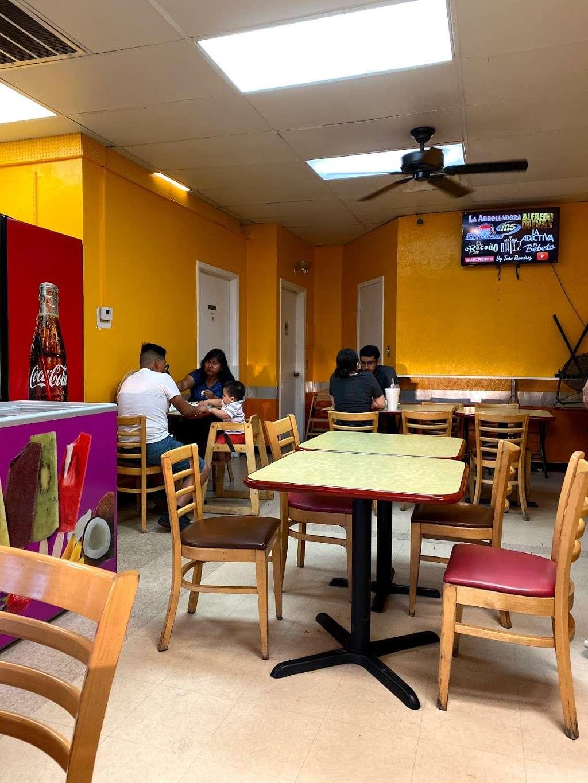 Salsitas Mexican Food - restaurant  | Photo 2 of 10 | Address: 10328 W Indian School Rd, Phoenix, AZ 85037, USA | Phone: (623) 872-5328