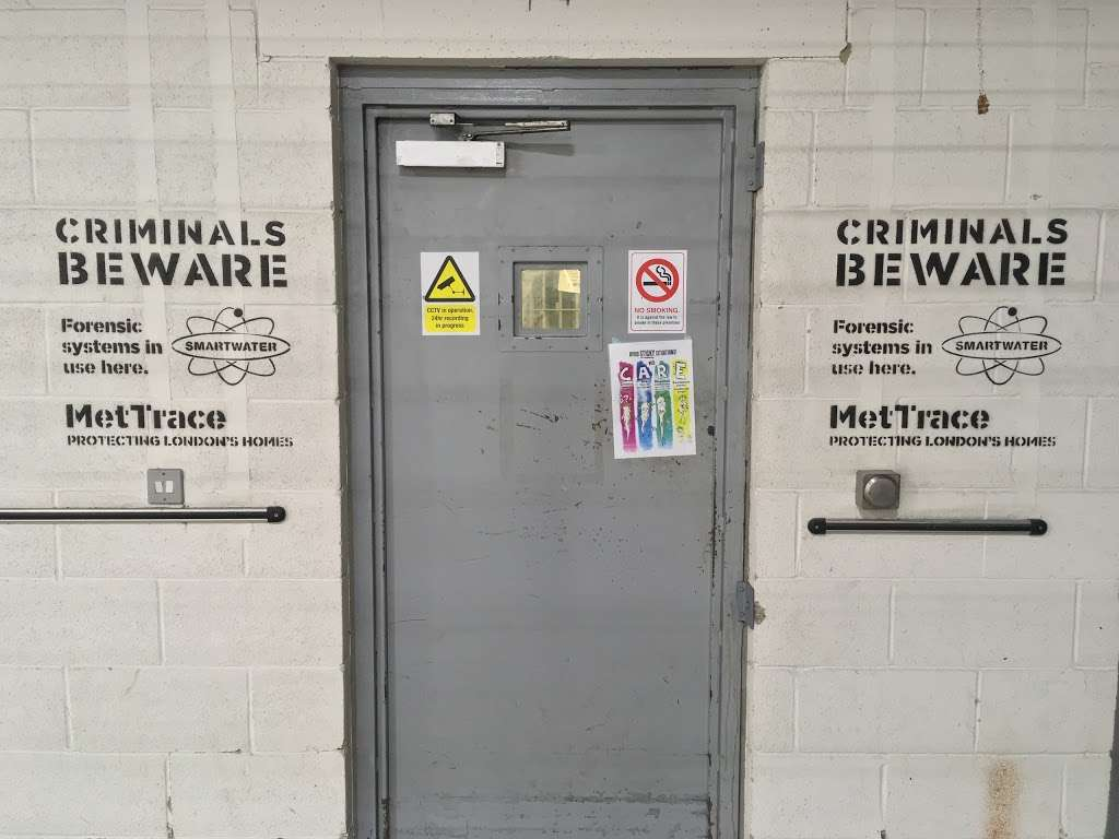 Fresh Wharf Custody Base - police  | Photo 1 of 10 | Address: Unit 24, Muirhead Quay, Quay Rd, Barking IG11 7BG, UK | Phone: 020 3276 1008