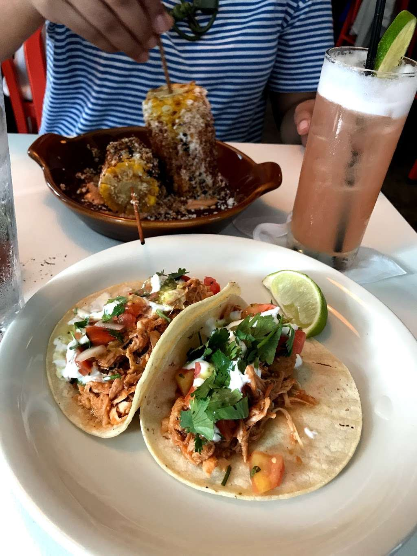 Taco Playa - restaurant  | Photo 4 of 10 | Address: 212 Front St, New York, NY 10038, USA | Phone: (212) 532-1519