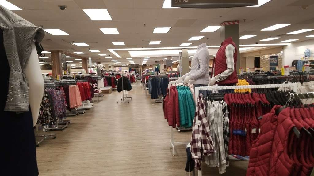Sears - department store  | Photo 2 of 10 | Address: 1150 Sunrise Hwy, Valley Stream, NY 11581, USA | Phone: (516) 256-5700