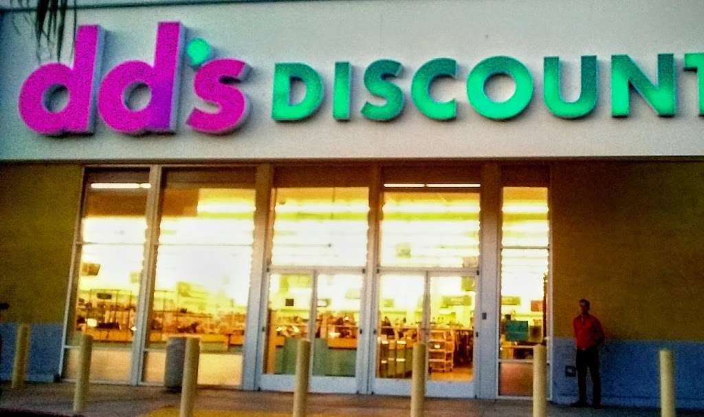 dds DISCOUNTS - clothing store    Photo 6 of 10   Address: 3522 National Ave, San Diego, CA 92113, USA   Phone: (619) 230-1466