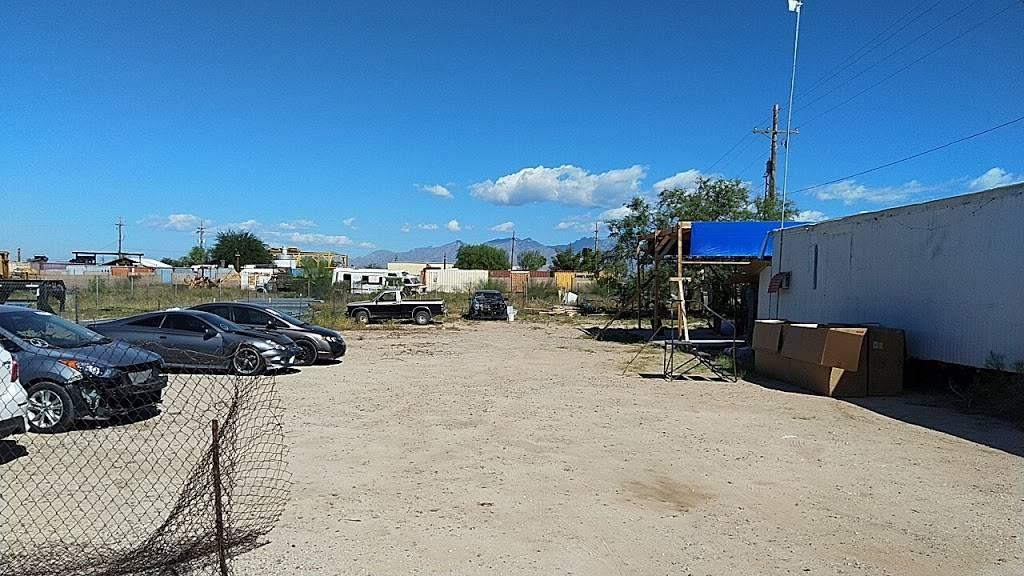 United Shadows 4 Auto - car dealer  | Photo 6 of 10 | Address: 5680 S Beverly Ave, Tucson, AZ 85706, USA | Phone: (520) 339-0168