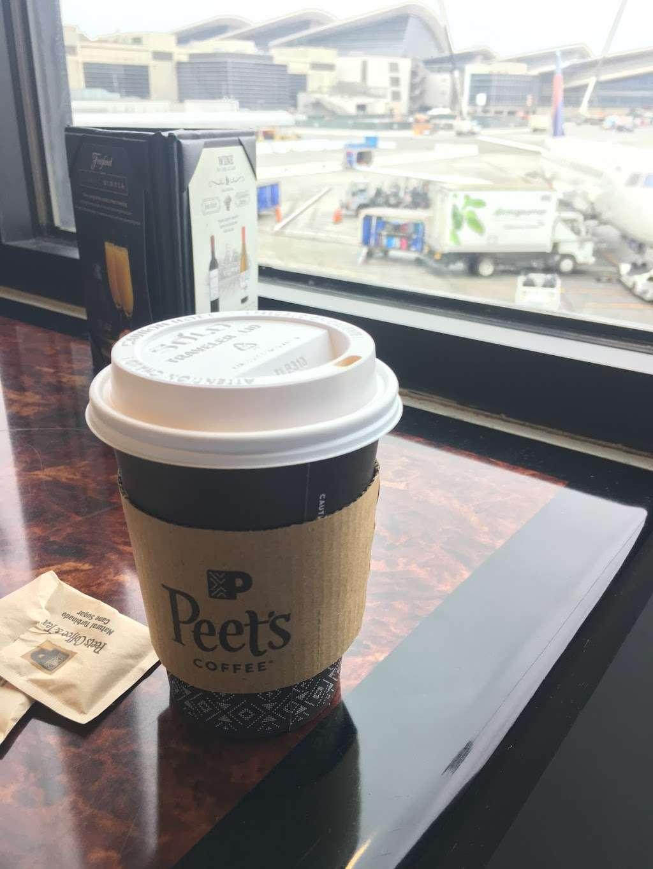 Peets Coffee - cafe    Photo 6 of 10   Address: 300 World Way, Los Angeles, CA 90045, USA