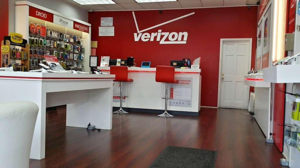 Verizon Wireless - electronics store  | Photo 1 of 10 | Address: 121-20 Liberty Ave, South Richmond Hill, NY 11419, USA | Phone: (718) 845-1500