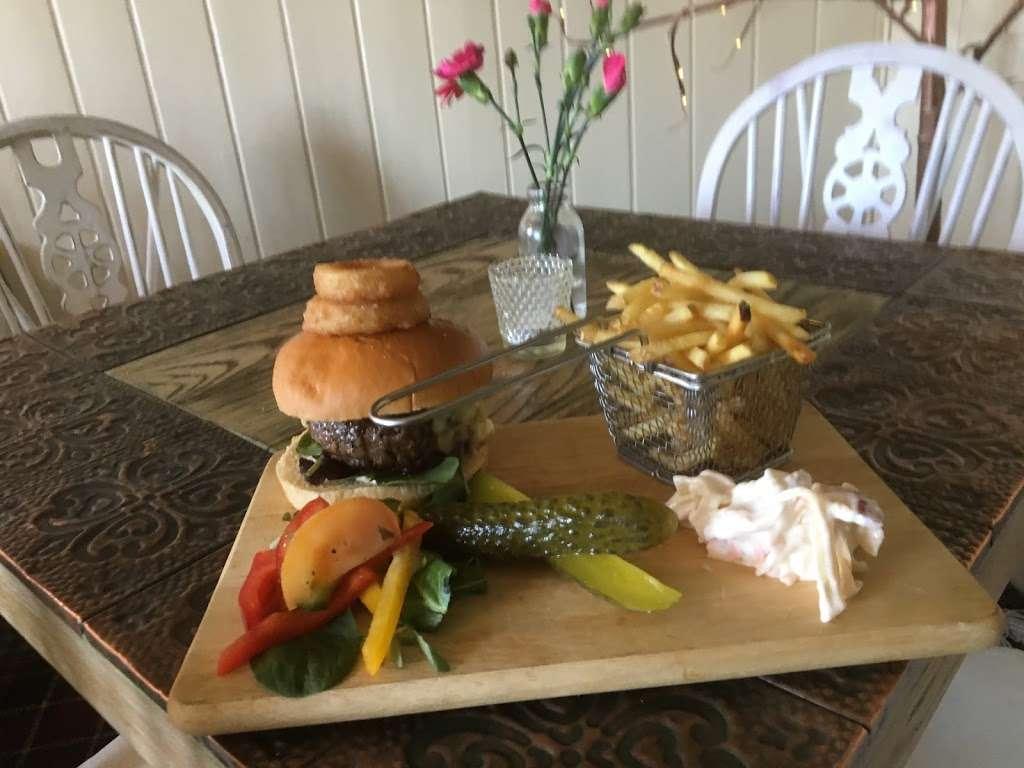 The Bright Star Pub - restaurant  | Photo 9 of 10 | Address: Kimpton Road, Peters Green, Luton LU2 9QP, UK | Phone: 01438 832351