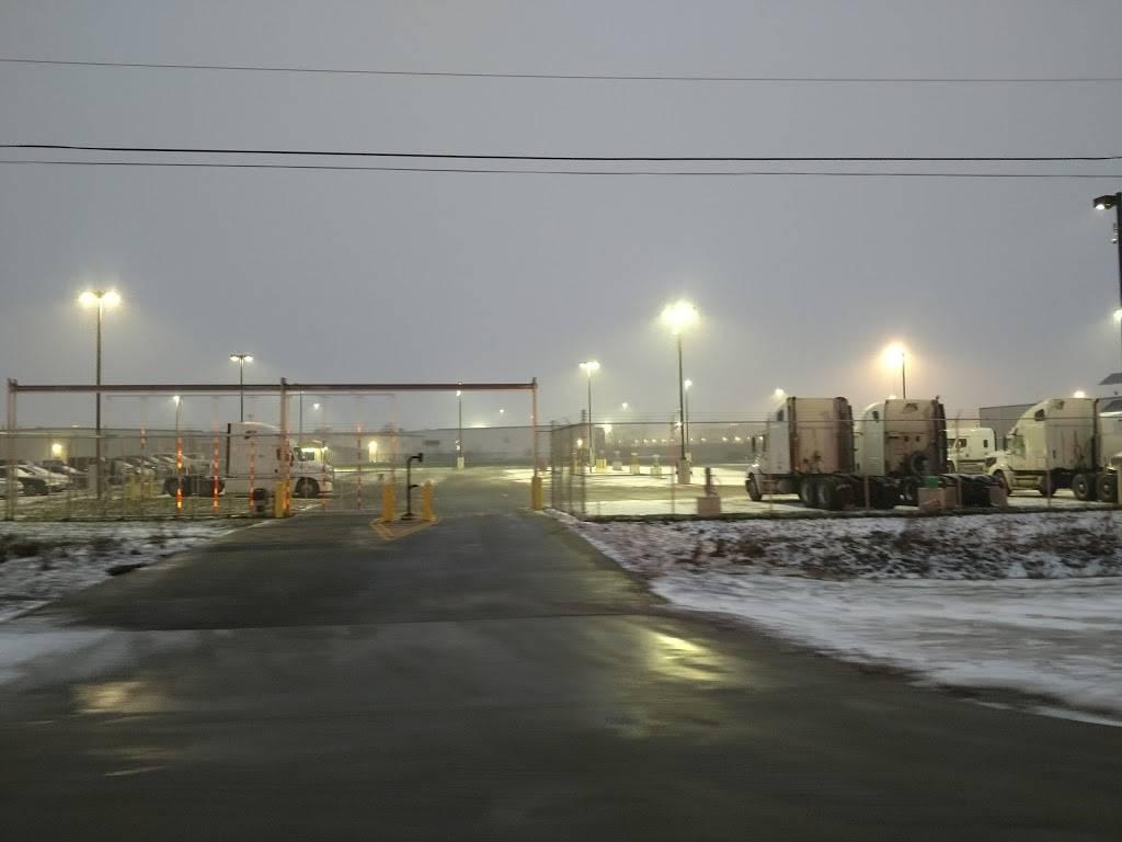 FedEx Ground - moving company  | Photo 6 of 8 | Address: 100 J St, Perrysburg, OH 43551, USA | Phone: (800) 463-3339
