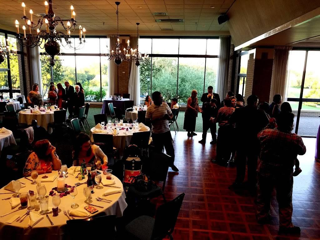 Onion Creek Club - restaurant  | Photo 3 of 10 | Address: 2510 Onion Creek Pkwy, Austin, TX 78747, USA | Phone: (512) 282-2150