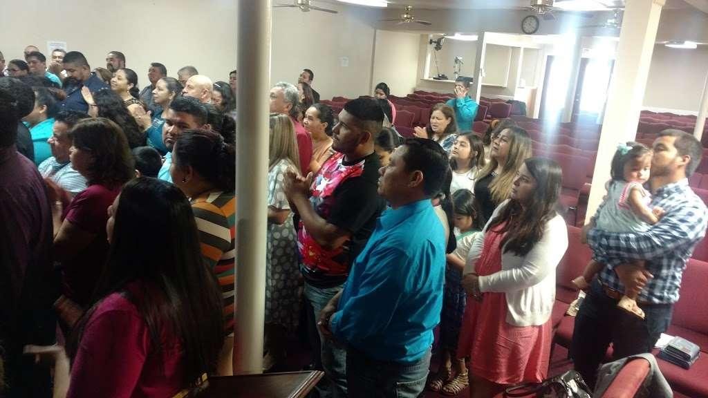 Iglesia De Dios Pentecostal - church  | Photo 2 of 3 | Address: 4922 Mangum Rd, Houston, TX 77092, USA | Phone: (713) 263-1954