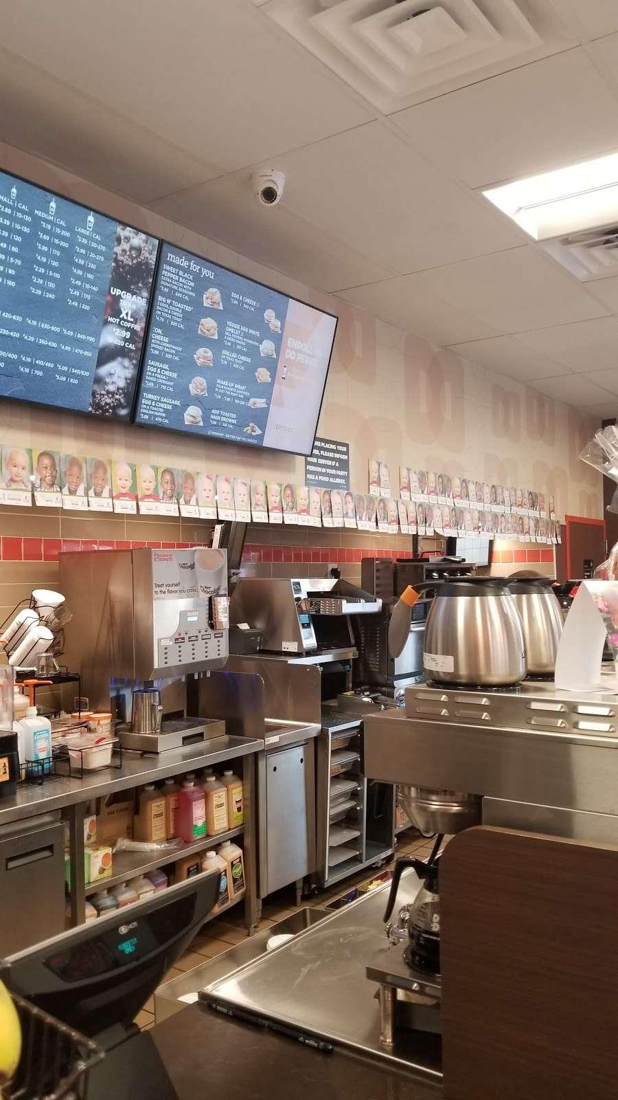 Dunkin Donuts - cafe  | Photo 8 of 10 | Address: 34-21 Greenpoint Ave, Long Island City, NY 11101, USA | Phone: (718) 937-7770