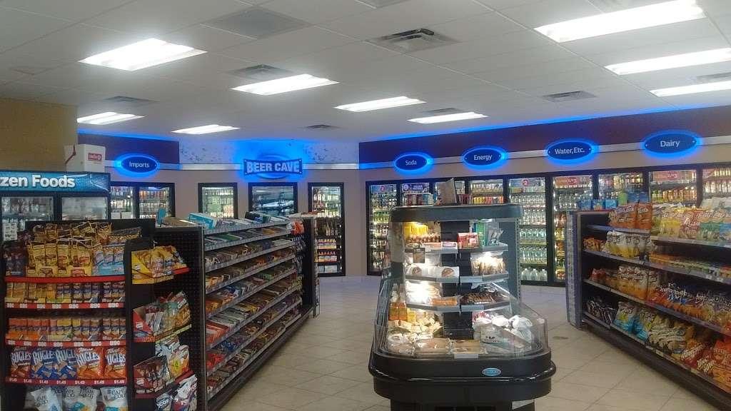 Circle K - convenience store  | Photo 7 of 10 | Address: 489 E Keene Rd, Apopka, FL 32703, USA | Phone: (407) 703-3894
