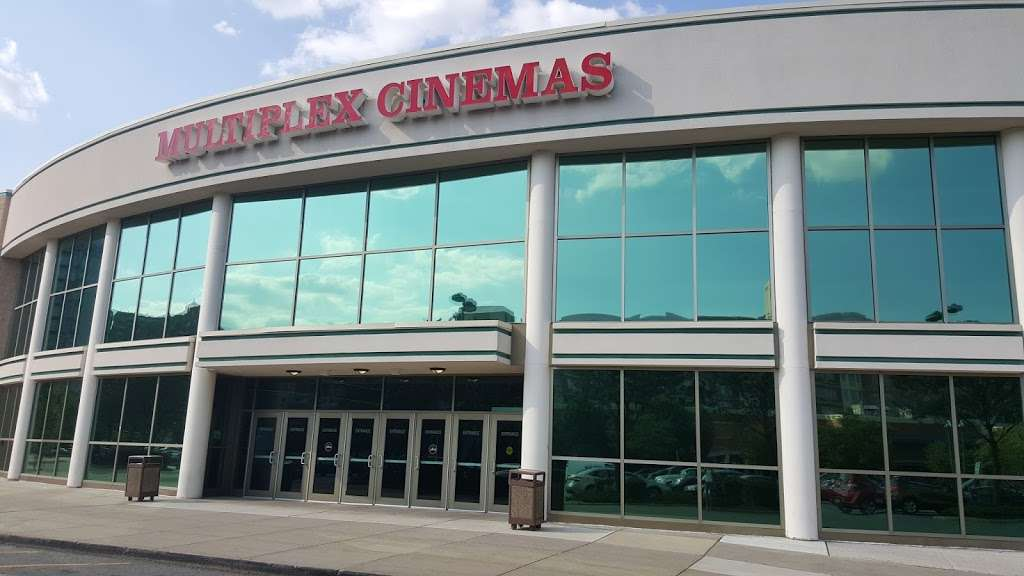 Edgewater Multiplex Cinemas - movie theater  | Photo 2 of 10 | Address: 339 River Rd, Edgewater, NJ 07020, USA | Phone: (800) 315-4000