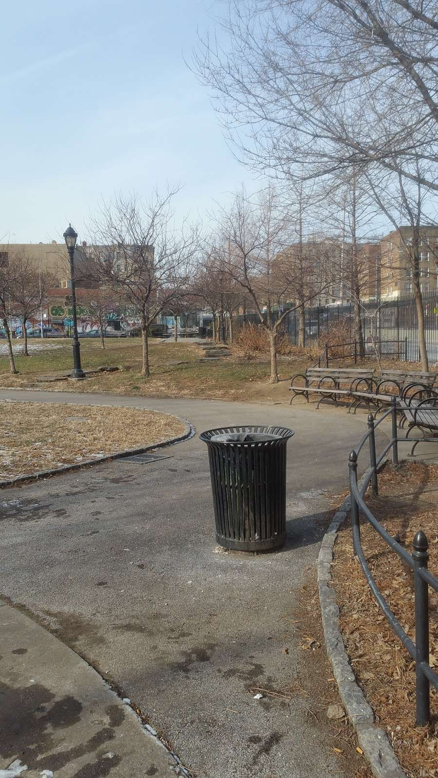 Grant Park - park  | Photo 9 of 10 | Address: E 170th St, Bronx, NY 10456, USA | Phone: (212) 639-9675