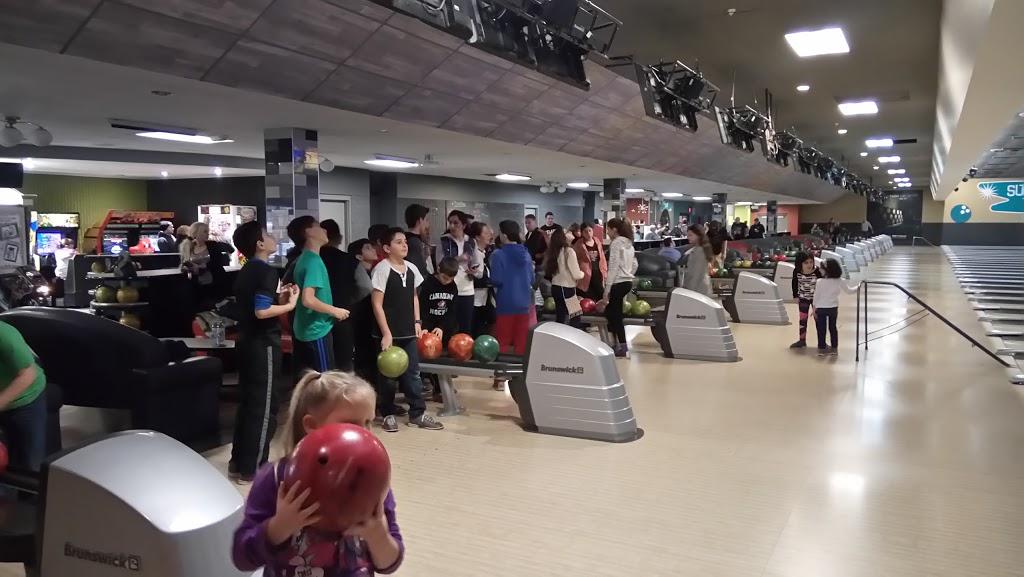 Super Bowl - bowling alley  | Photo 7 of 10 | Address: 10000 Tecumseh Rd E, Windsor, ON N8R 1A2, Canada | Phone: (519) 735-7500
