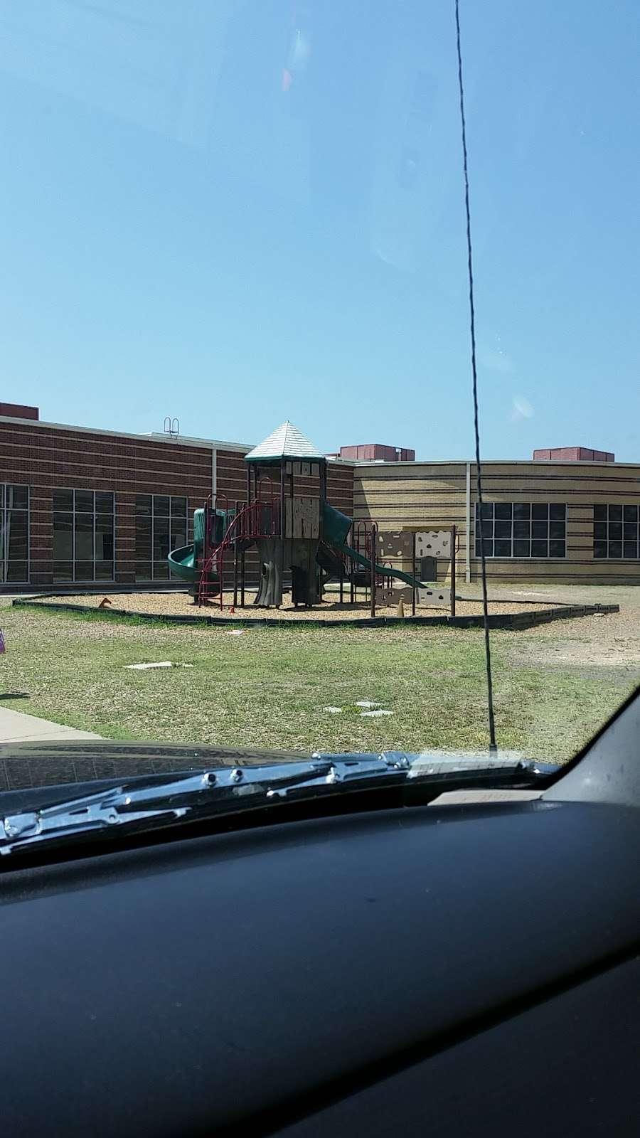 Jerry R. Junkins Elementary School - school  | Photo 1 of 2 | Address: 2808 Running Duke Dr, Carrollton, TX 75006, USA | Phone: (972) 502-2400