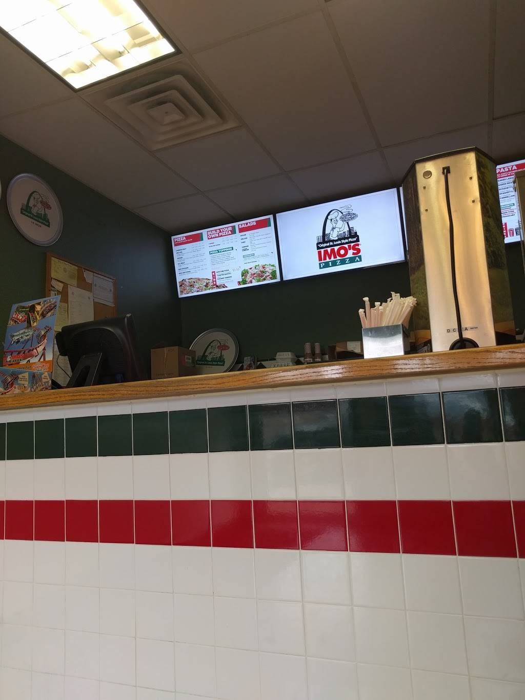 Imos Pizza - meal delivery  | Photo 3 of 10 | Address: 5806 Hampton Ave, St. Louis, MO 63109, USA | Phone: (314) 832-9677