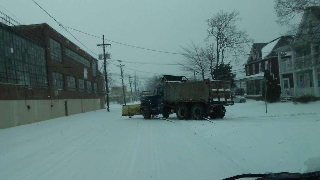 E Z Auto Trade Co - car dealer    Photo 2 of 2   Address: 1622 W Front St, Plainfield, NJ 07063, USA   Phone: (908) 834-2716