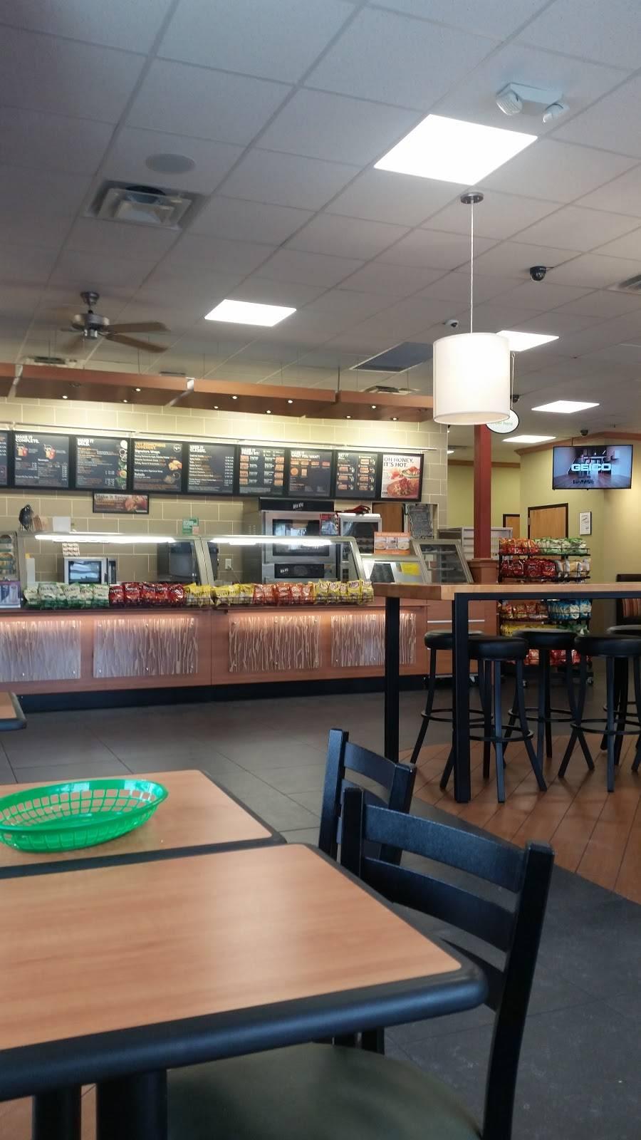Subway - meal takeaway  | Photo 5 of 7 | Address: 6351, 402 S Desert Blvd Building D Suite 401, El Paso, TX 79932, USA | Phone: (915) 307-6135