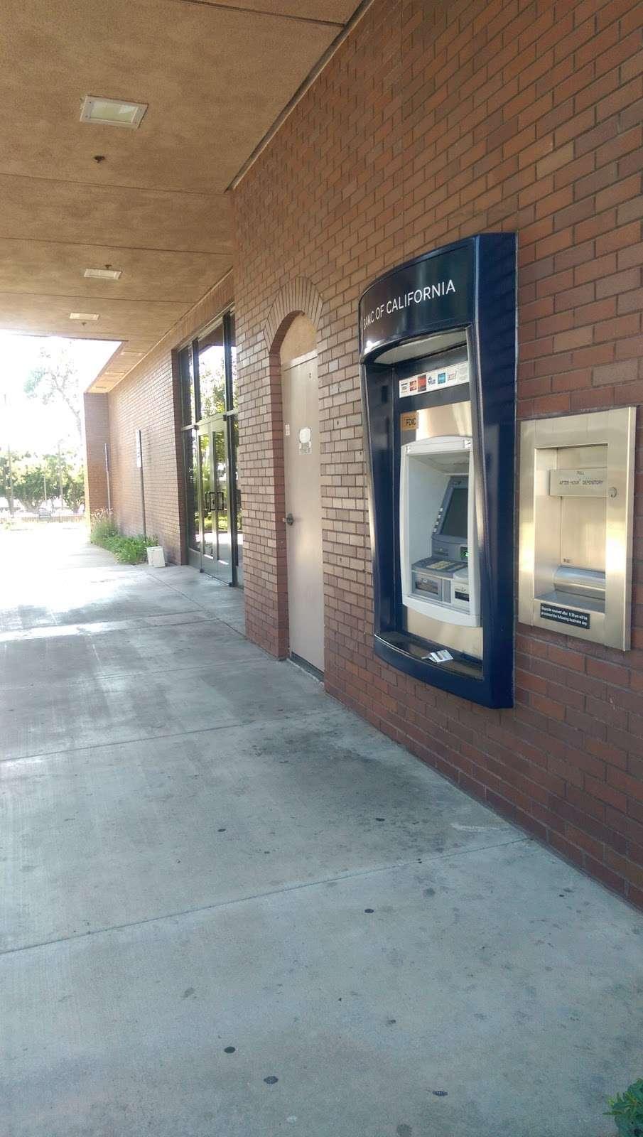 Banc of California - bank  | Photo 3 of 8 | Address: 2133 W Beverly Blvd, Montebello, CA 90640, USA | Phone: (323) 724-8807