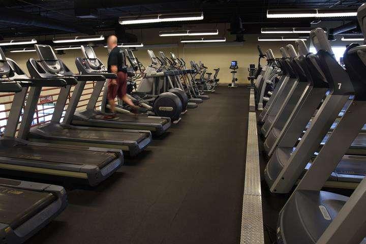 Fitness 1 Gym - gym  | Photo 10 of 10 | Address: 802 E Union Hills Dr, Phoenix, AZ 85024, USA | Phone: (623) 582-0565