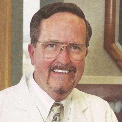 Gary M. Sigafoos, DDS - dentist  | Photo 2 of 2 | Address: 9850 Genesee Ave suite 620, La Jolla, CA 92037, USA | Phone: (858) 997-2877
