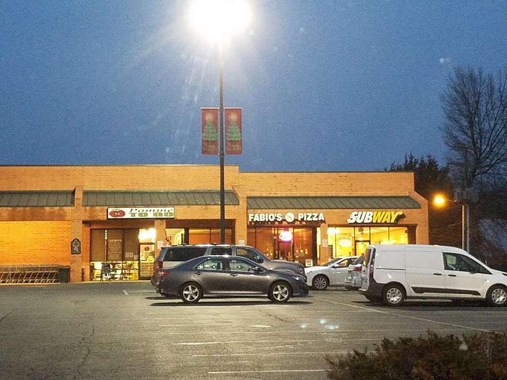 Subway - meal takeaway  | Photo 3 of 3 | Address: 408 W Gordon Ave Suite D, Gordonsville, VA 22942, USA | Phone: (540) 832-7891