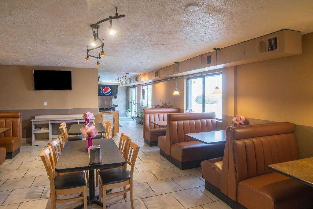 Americas Best Value Inn Lincoln Airport - lodging  | Photo 9 of 10 | Address: 3001 NW 12th St, Lincoln, NE 68521, USA | Phone: (402) 475-3211