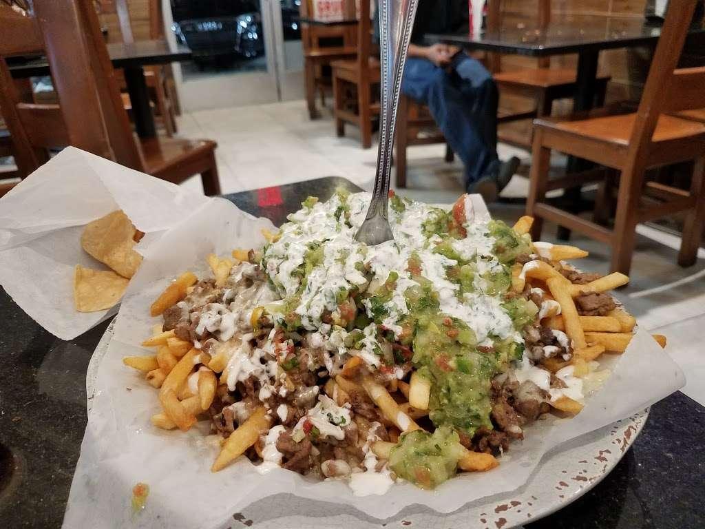 Tres Potrillos Taqueria - restaurant    Photo 4 of 10   Address: 670 N Fair Oaks Ave, Sunnyvale, CA 94085, USA   Phone: (408) 735-8657