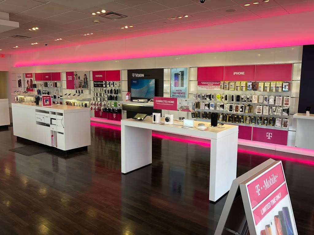 T-Mobile - electronics store  | Photo 4 of 10 | Address: 1110 E Parker Rd Suite C, Plano, TX 75074, USA | Phone: (972) 423-4825