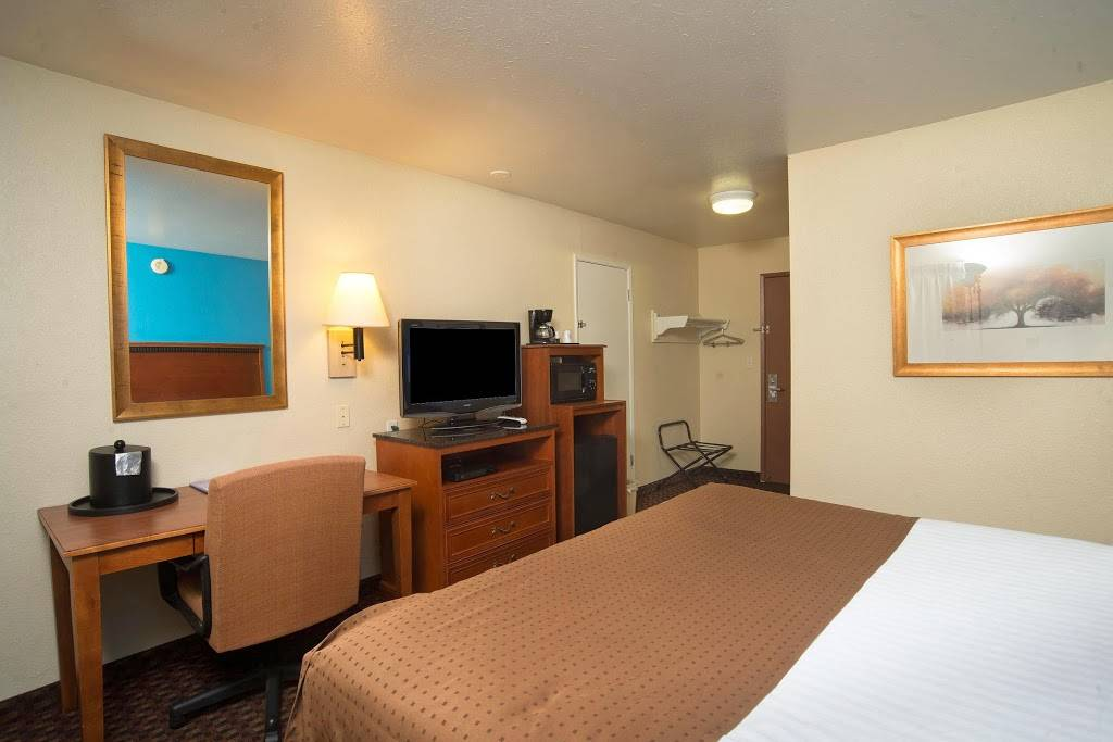 Americas Best Value Inn Lincoln Airport - lodging  | Photo 5 of 10 | Address: 3001 NW 12th St, Lincoln, NE 68521, USA | Phone: (402) 475-3211