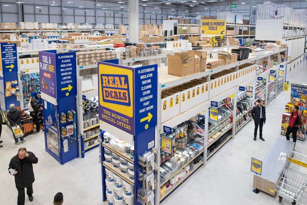 Selco Builders Warehouse Barking - home goods store  | Photo 3 of 7 | Address: Roding Trading Estate, Hertford Rd, Barking IG11 8BL, UK | Phone: 020 8594 8704