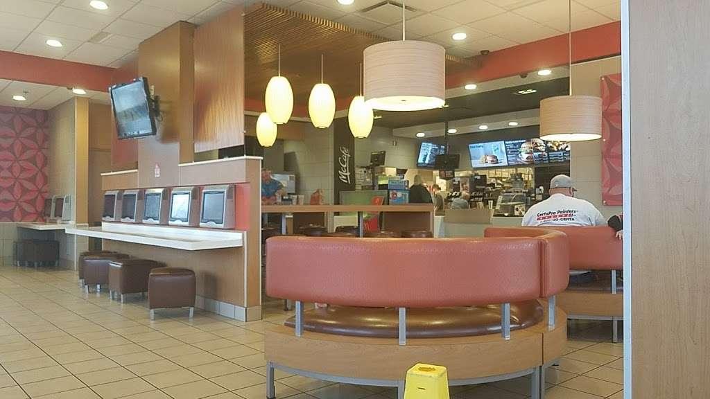 McDonalds - cafe  | Photo 6 of 10 | Address: 5140 W Washington St, Indianapolis, IN 46241, USA | Phone: (317) 241-0136
