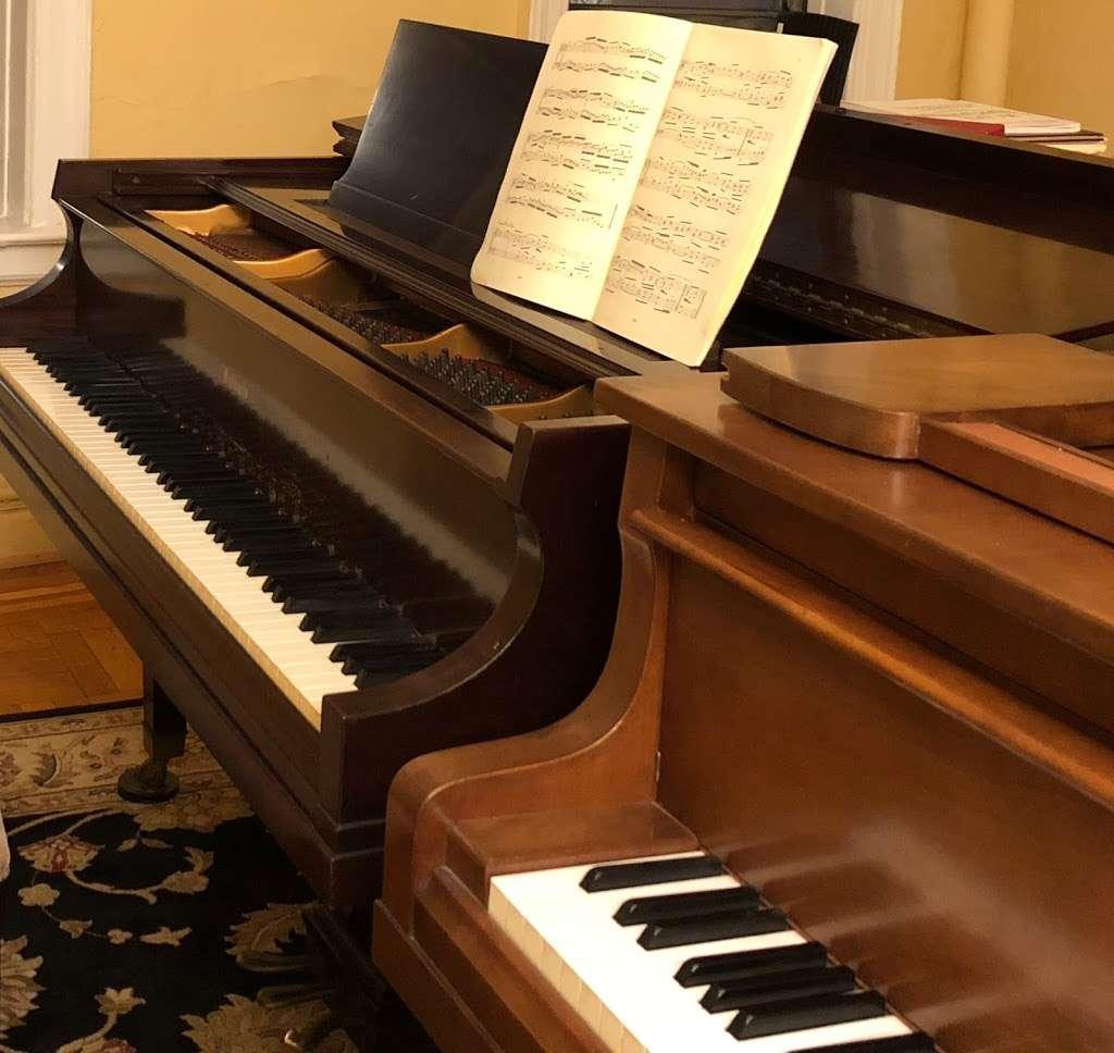 Svitlana Syrtsova Piano Studio - electronics store  | Photo 2 of 10 | Address: 850 W 176th St, New York, NY 10033, USA | Phone: (917) 306-3055