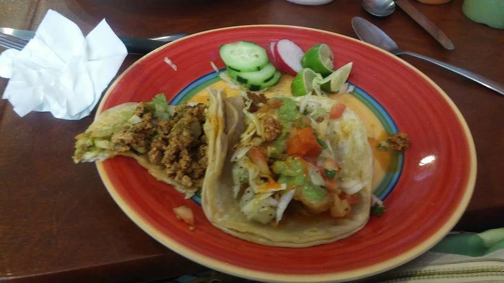 Guillis Pizza and Mexican Cuisine - restaurant  | Photo 9 of 10 | Address: 320 Beverly Rancocas Rd, Willingboro, NJ 08046, USA | Phone: (609) 699-6381