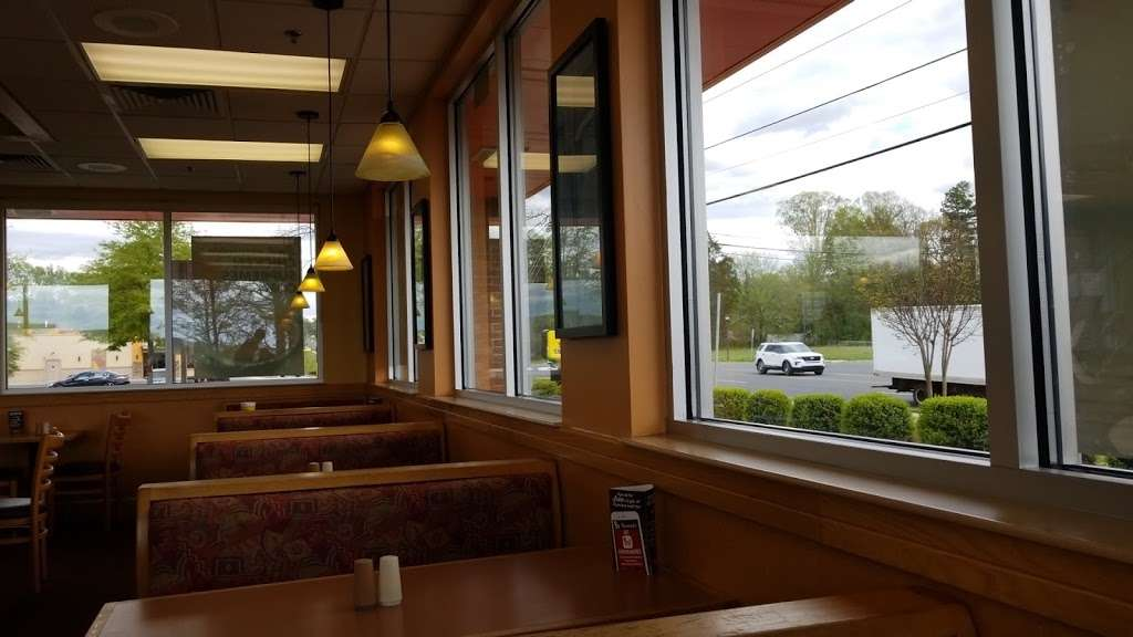 Bojangles Famous Chicken n Biscuits - restaurant  | Photo 5 of 10 | Address: 1718 W Main St, Locust, NC 28097, USA | Phone: (704) 781-0018