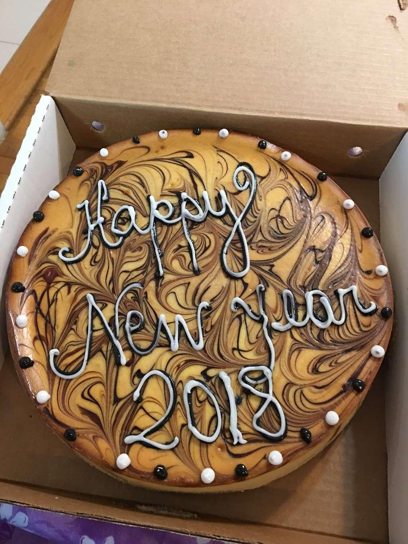 La Cheesecake - bakery  | Photo 6 of 10 | Address: 126-06 14th Ave, College Point, NY 11356, USA | Phone: (718) 359-3718