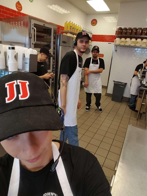Jimmy Johns - meal delivery  | Photo 9 of 10 | Address: 6388 N Eldridge Pkwy Ste. 100, Houston, TX 77041, USA | Phone: (713) 849-2000