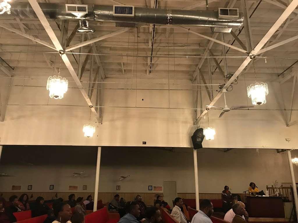 Antioch Road to Glory International Ministries - church  | Photo 10 of 10 | Address: 3746 N Davidson St, Charlotte, NC 28205, USA