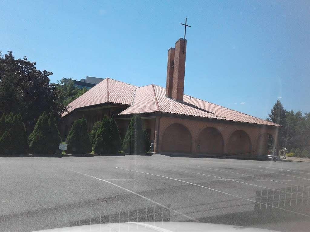Holy Trinity Roman Cath Church - church  | Photo 4 of 10 | Address: 14-51 143rd St, Whitestone, NY 11357, USA | Phone: (718) 746-7730