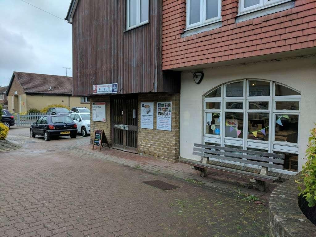 Sutton-At-Hone Library - library  | Photo 2 of 2 | Address: Main Rd, Sutton at Hone, Dartford DA4 9HQ, UK | Phone: 0300 041 3131