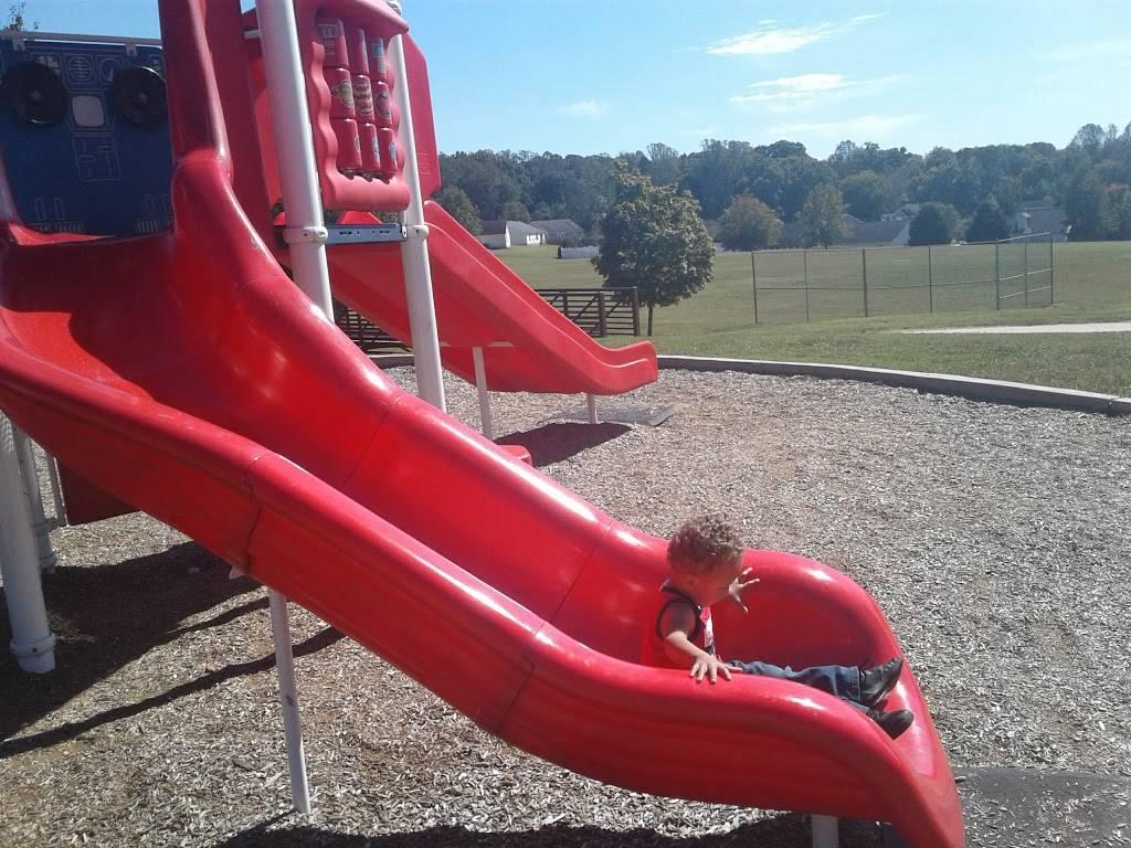 Oak Summit Park - park  | Photo 2 of 10 | Address: 370 Oak Summit Rd, Winston-Salem, NC 27105, USA | Phone: (336) 727-8000