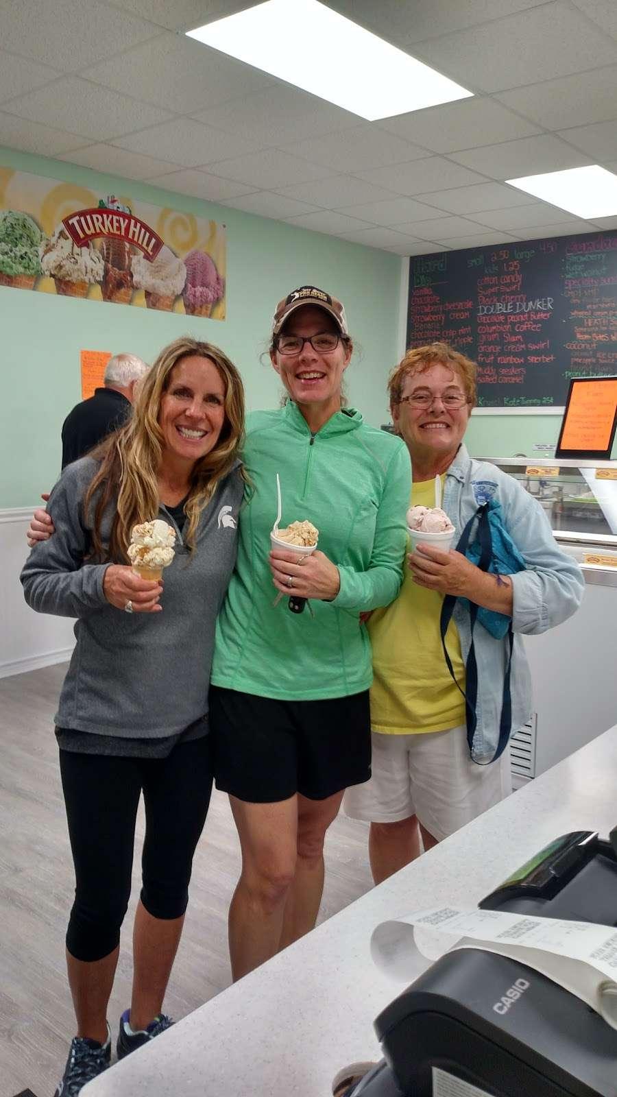 Maxs Ice Cream Shack - store  | Photo 9 of 10 | Address: 202 W 3rd St, Mifflinville, PA 18631, USA | Phone: (570) 520-4237