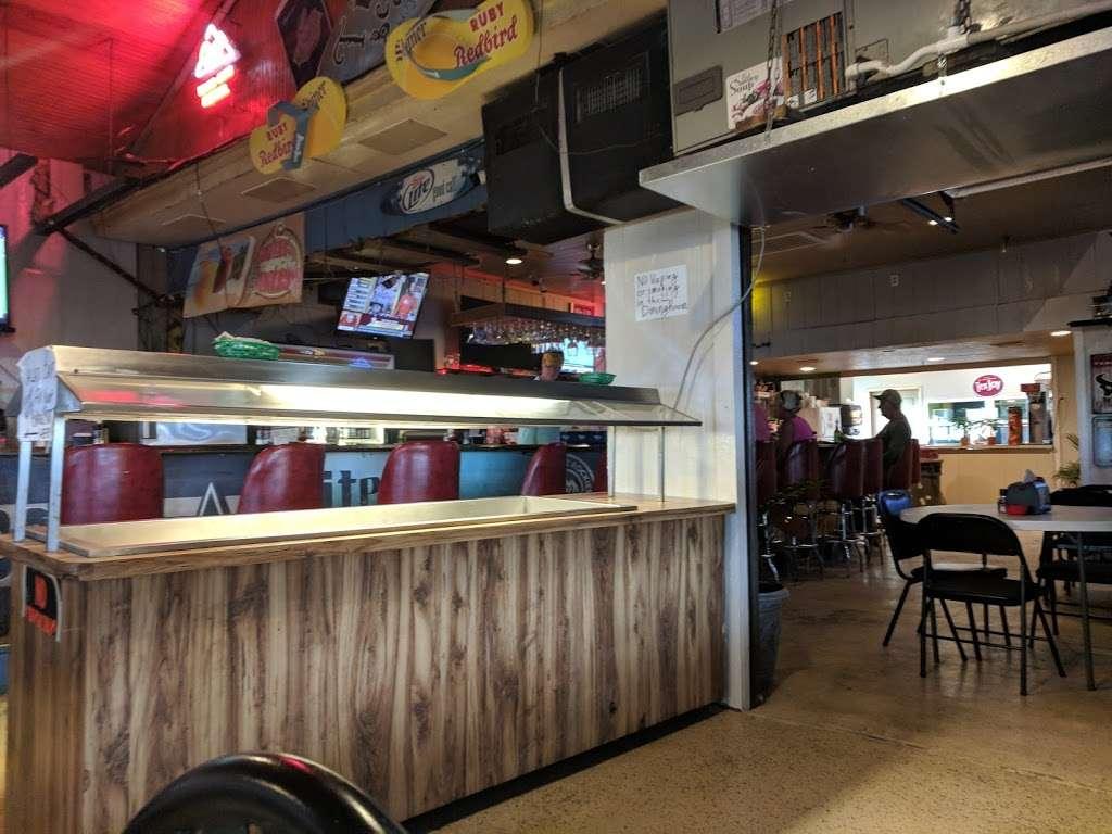 Tiki Beach Bar & Grill - restaurant  | Photo 5 of 10 | Address: 1369 State Hwy 87, Crystal Beach, TX 77650, USA | Phone: (409) 684-9594