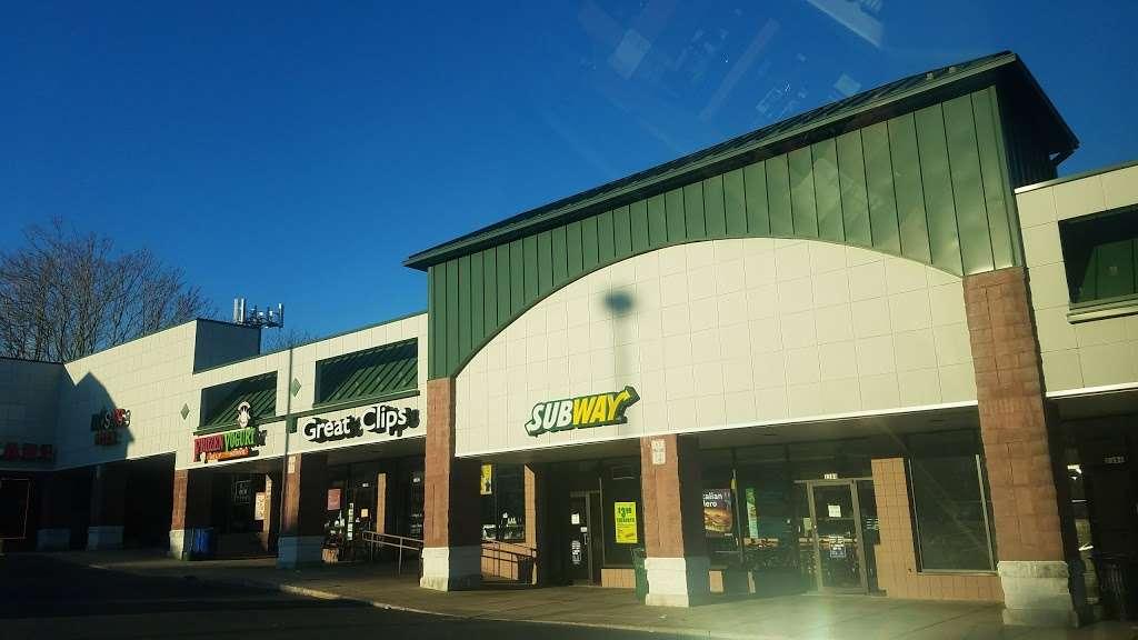 Subway - restaurant  | Photo 3 of 7 | Address: 1380 Columbia Ave, Lancaster, PA 17603, USA | Phone: (717) 735-0626